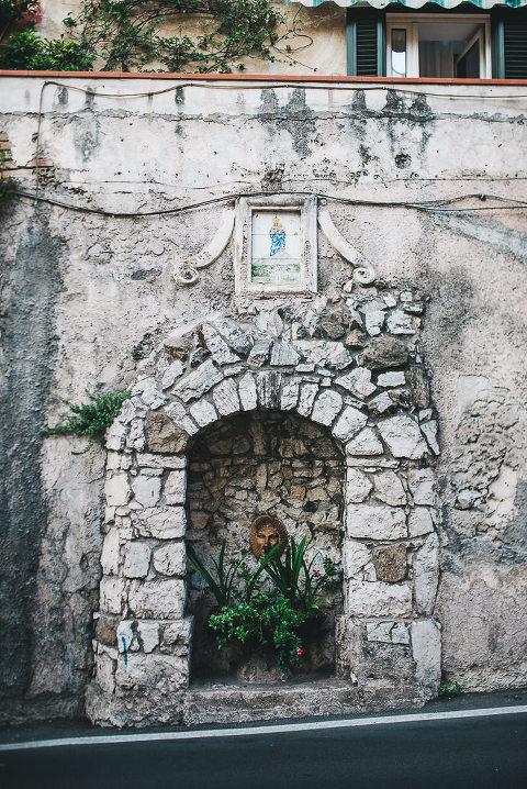 """""""positano"""" dekoras viešbutyje amalfio pakrantėje per paskirties pabėgimo portreto sesiją"""