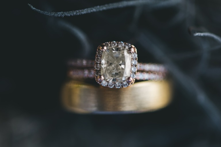 ring detail photo